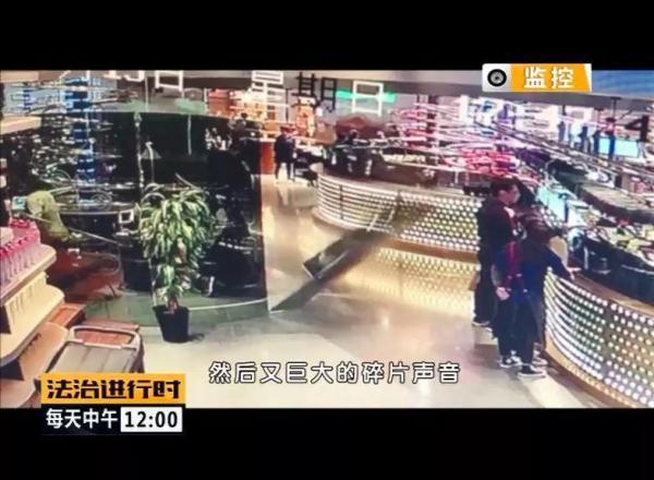 大惊失色!失重餐厅玻璃砸人 顾客以为地震拼命逃走